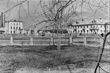 Арсеньев. Памятник Горькому