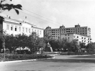 Арсеньев. Улица Ленинская (Администрация)